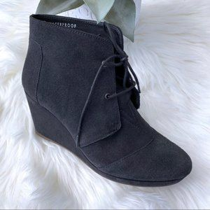 Blondo Paige Waterproof Wedge Platform Bootie 8